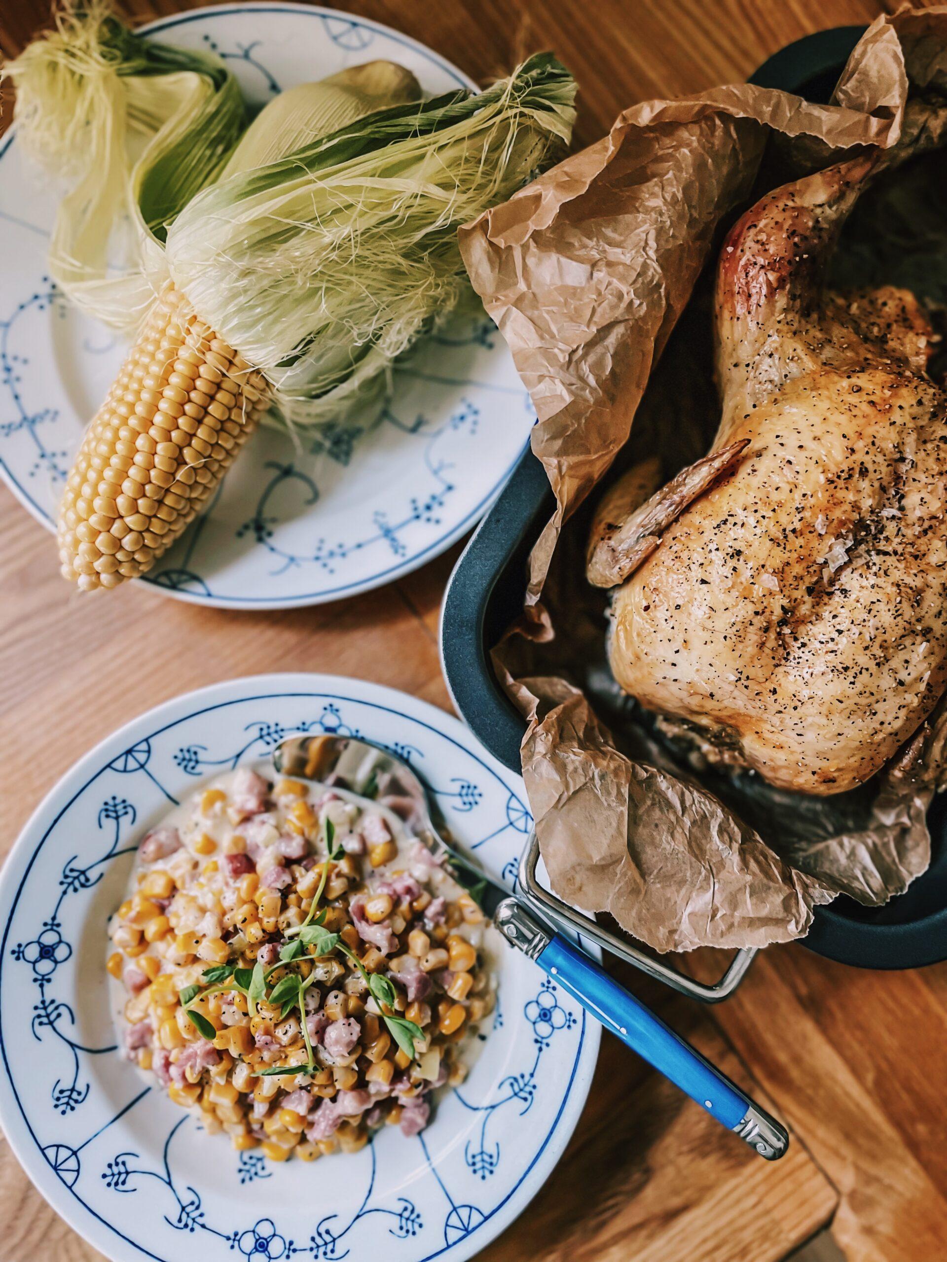 Mama Brown's hele kylling i ovn med cremede majs graphic